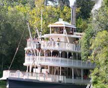 The Liberty Belle on th Rivers of America